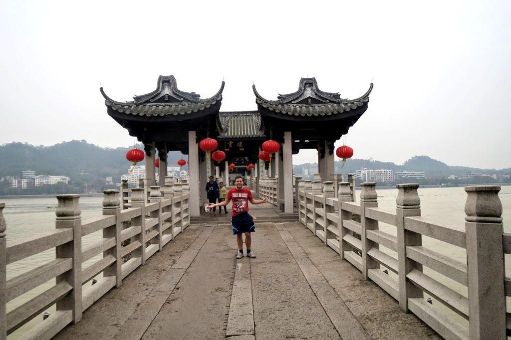 Ponte Guangji, a ponte flutuante secular da China